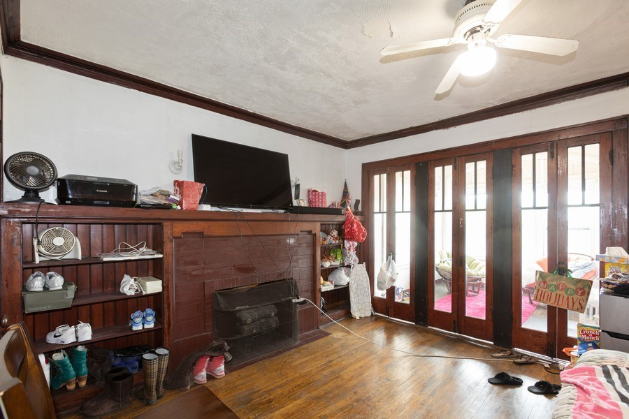Real Estate Photography - 430 44th St, Chicago, IL, 60653 - Bedroom