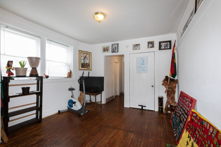 Real Estate Photography - 430 44th St, Chicago, IL, 60653 - Living Room/Dining Room