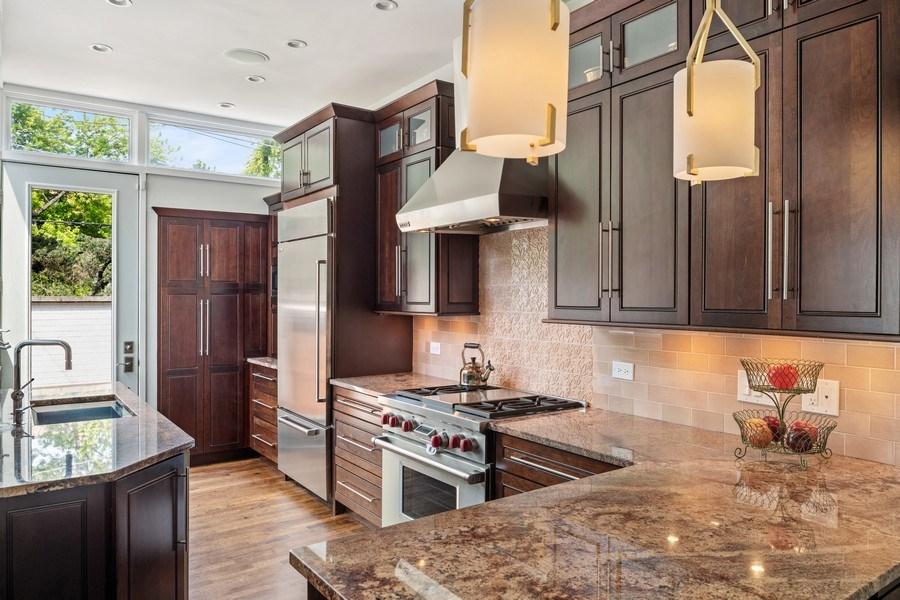 Real Estate Photography - 3820 Alta Vista Ter, Chicago, IL, 60613 - Kitchen