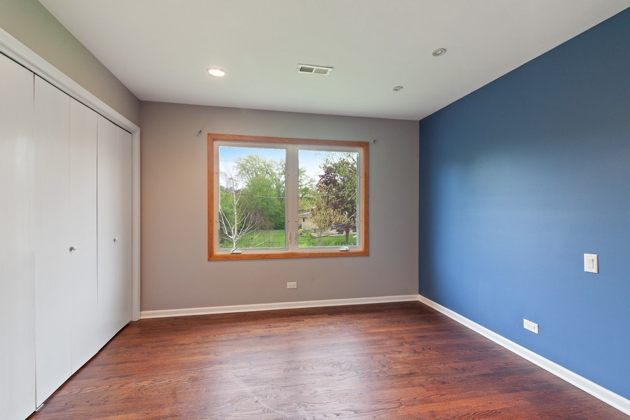 Real Estate Photography - 525 Lotus Lane, Glenview, IL, 60025 - 3rd Bedroom