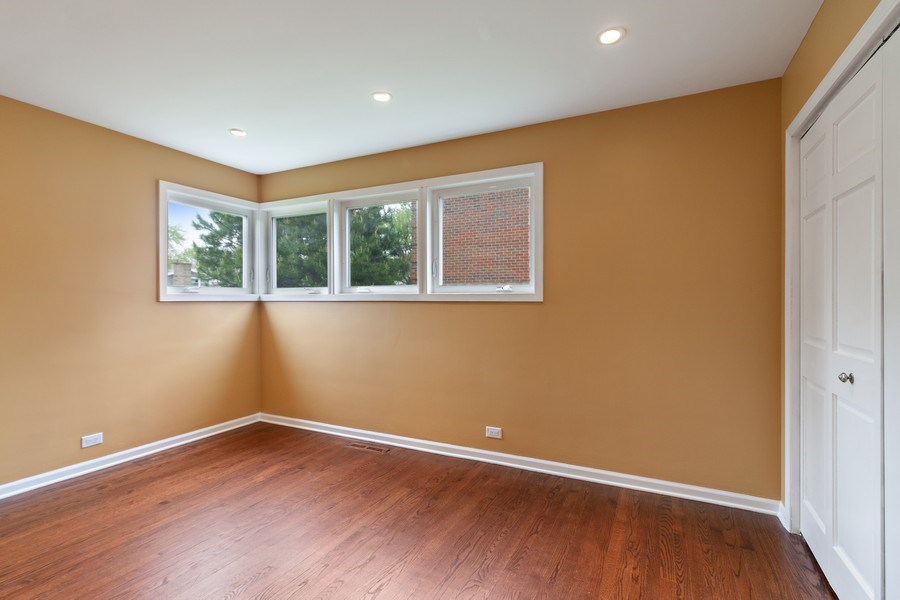 Real Estate Photography - 525 Lotus Lane, Glenview, IL, 60025 - Bedroom