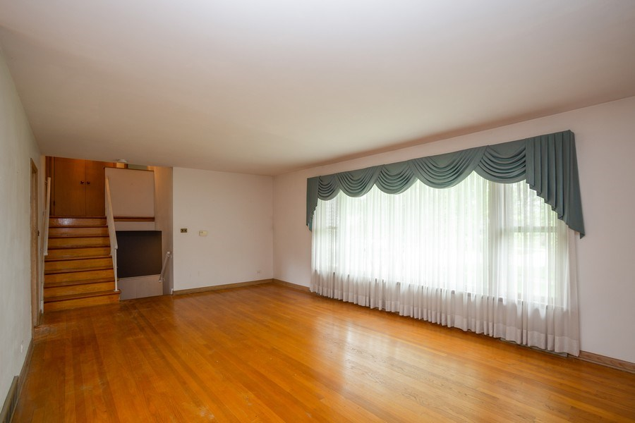 Real Estate Photography - 1426 Margret St, Des Plaines, IL, 60018 - Living Room
