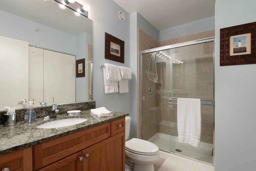 Real Estate Photography - 807 Davis Street #1504, Evanston, IL, 60201 - Bathroom