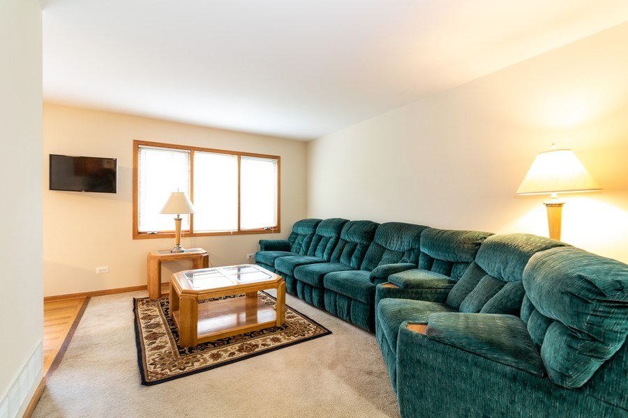 Real Estate Photography - 4316 Termunde Dr, Alsip, IL, 60803 - Living Room