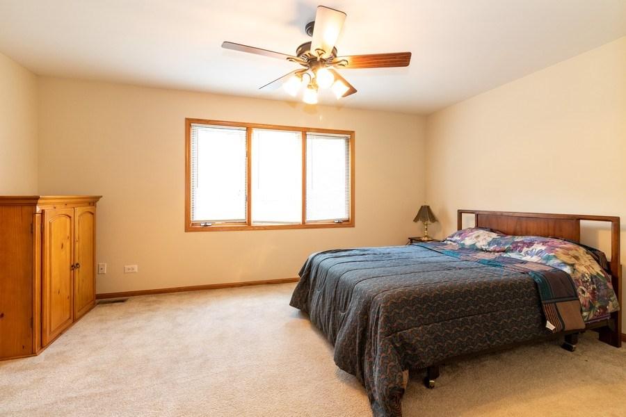 Real Estate Photography - 4316 Termunde Dr, Alsip, IL, 60803 - Master Bedroom
