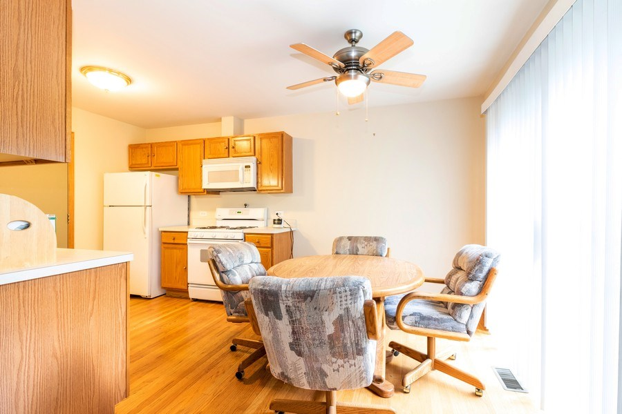 Real Estate Photography - 4316 Termunde Dr, Alsip, IL, 60803 - Breakfast Area
