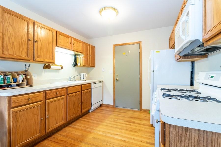 Real Estate Photography - 4316 Termunde Dr, Alsip, IL, 60803 - Kitchen