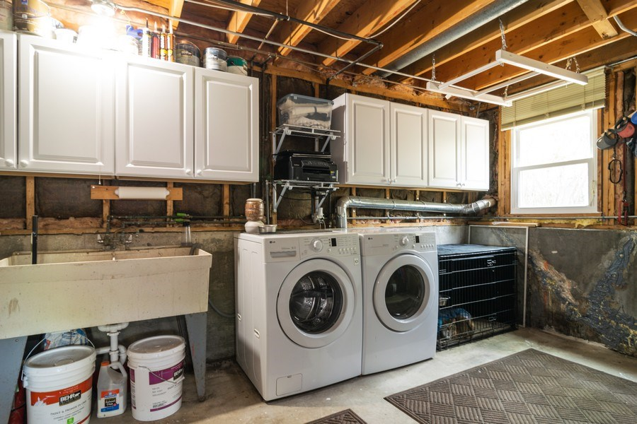Real Estate Photography - 664 Juniper Ln, Bartlett, IL, 60103 - Laundry Room