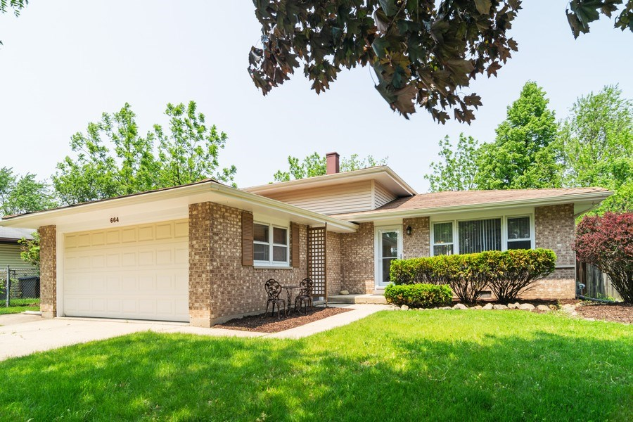 Real Estate Photography - 664 Juniper Ln, Bartlett, IL, 60103 - Front View