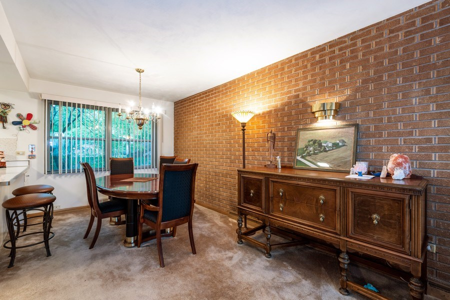 Real Estate Photography - 2297-2299 Exmoor Ave, Highland Park, IL, 60035 - Living Room