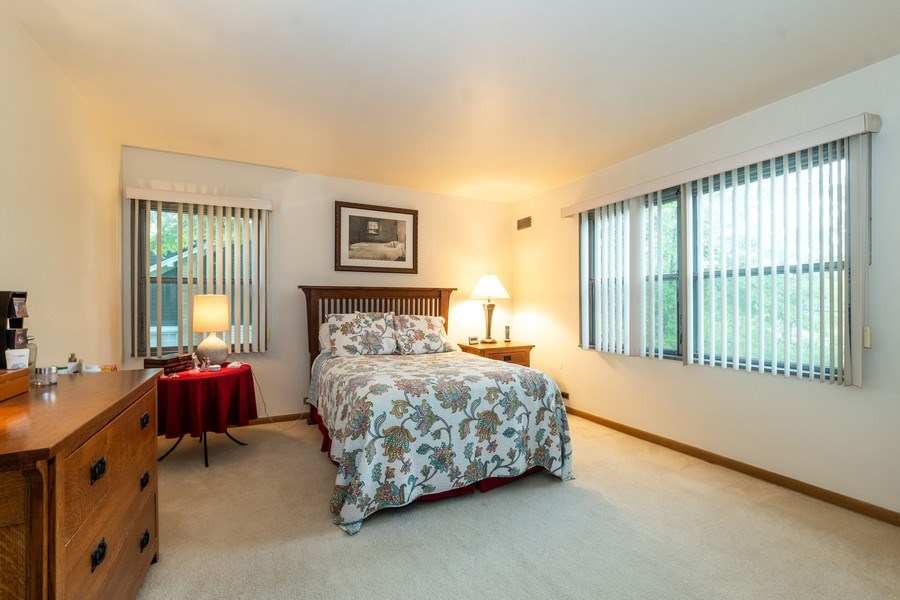 Real Estate Photography - 2297-2299 Exmoor Ave, Highland Park, IL, 60035 - Bedroom