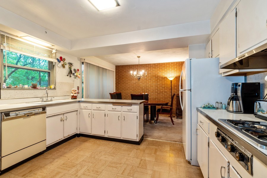 Real Estate Photography - 2297-2299 Exmoor Ave, Highland Park, IL, 60035 - Kitchen
