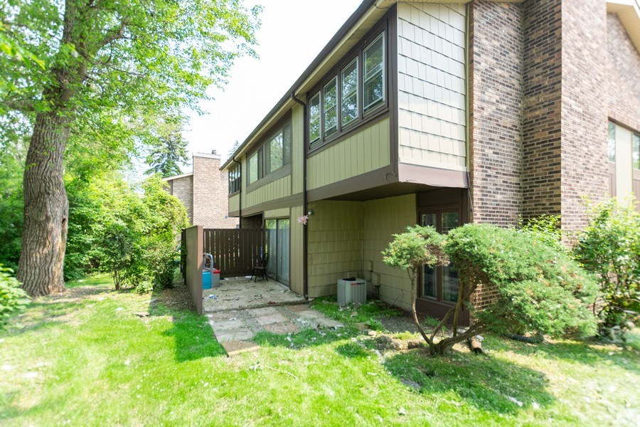 Real Estate Photography - 5 W MILLSTONE CT, PALOS HILLS, IL, 60465 - Rear View