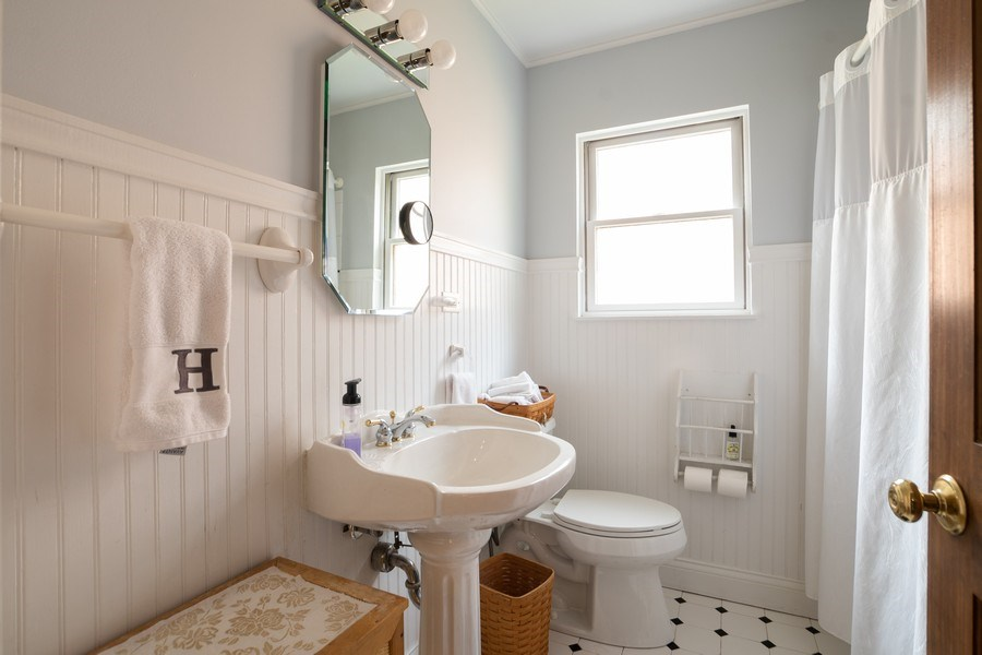 Real Estate Photography - 700 Long Rd., Glenview, IL, 60025 - Bathroom