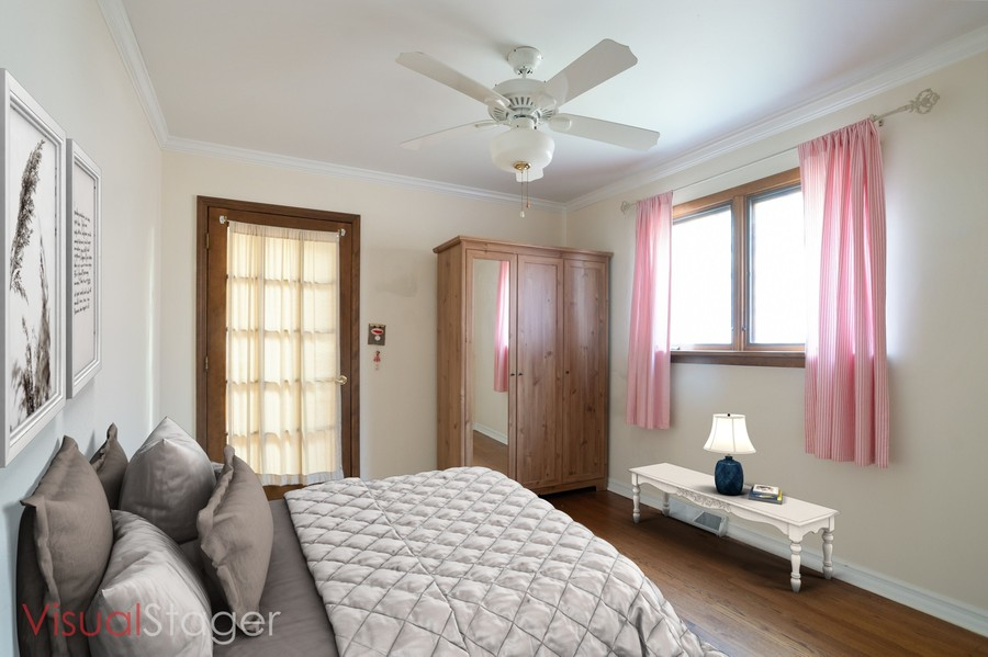 Real Estate Photography - 700 Long Rd., Glenview, IL, 60025 - 3rd Bedroom Staged