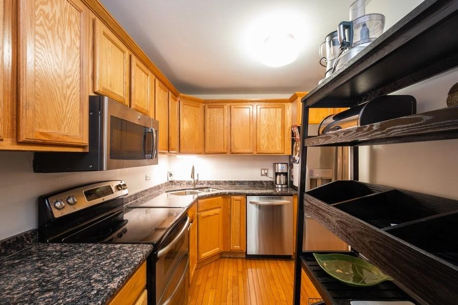 Real Estate Photography - 211 E Ohio #818, chicago, IL, 60611 - Kitchen