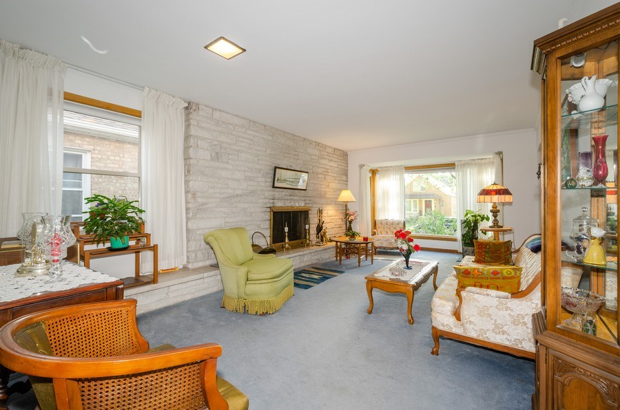 Real Estate Photography - 6231 N. Kildare Avenue, Chicago, IL, 60646 - Living Room