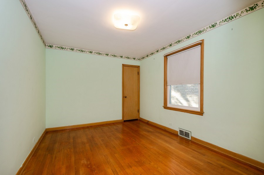 Real Estate Photography - 6231 N. Kildare Avenue, Chicago, IL, 60646 - 2nd Bedroom