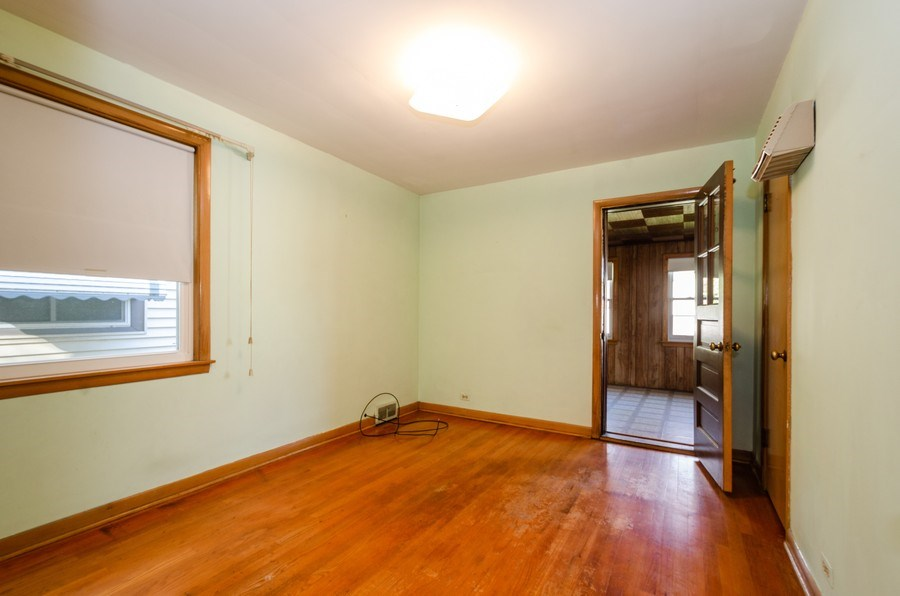 Real Estate Photography - 6231 N. Kildare Avenue, Chicago, IL, 60646 - Bedroom