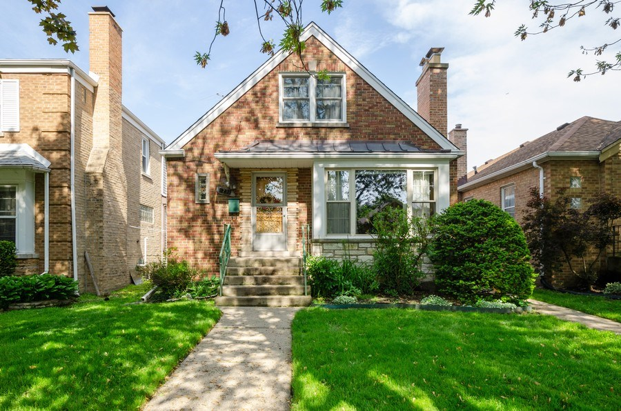 Real Estate Photography - 6231 N. Kildare Avenue, Chicago, IL, 60646 - Front View