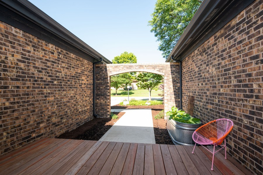 Real Estate Photography - 499 Greenbriar, Glen Ellyn, IL, 60137 - Front View
