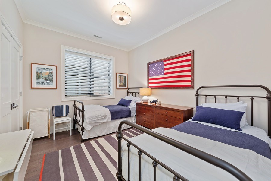 Real Estate Photography - 3950 N Hoyne, 2S, Chicago, IL, 60618 - Bedroom