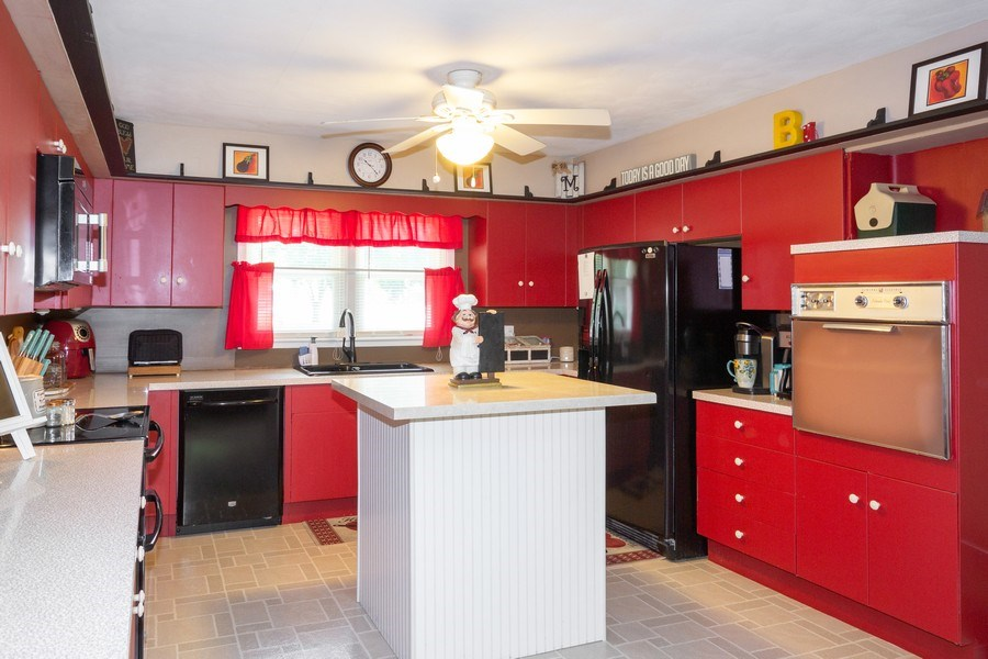 Real Estate Photography - 502 N 3rd Street, Cissna Park, IL, 60924 - Kitchen