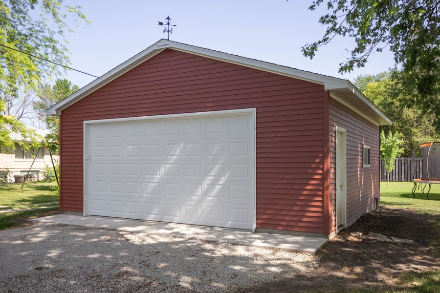 Real Estate Photography - 502 N 3rd Street, Cissna Park, IL, 60924 - Garage