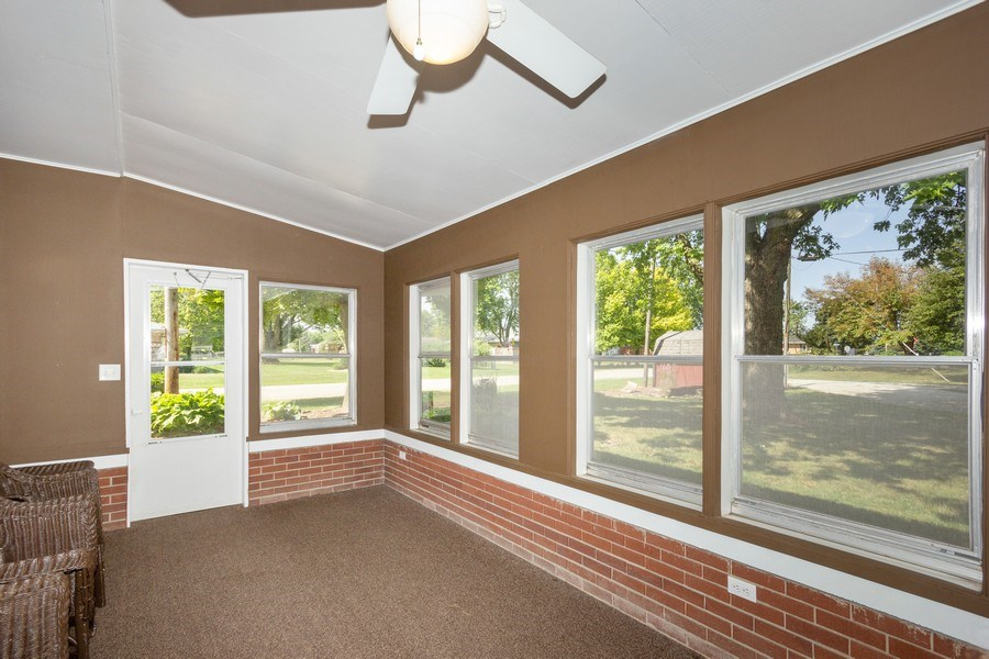 Real Estate Photography - 502 N 3rd Street, Cissna Park, IL, 60924 - Sun Room
