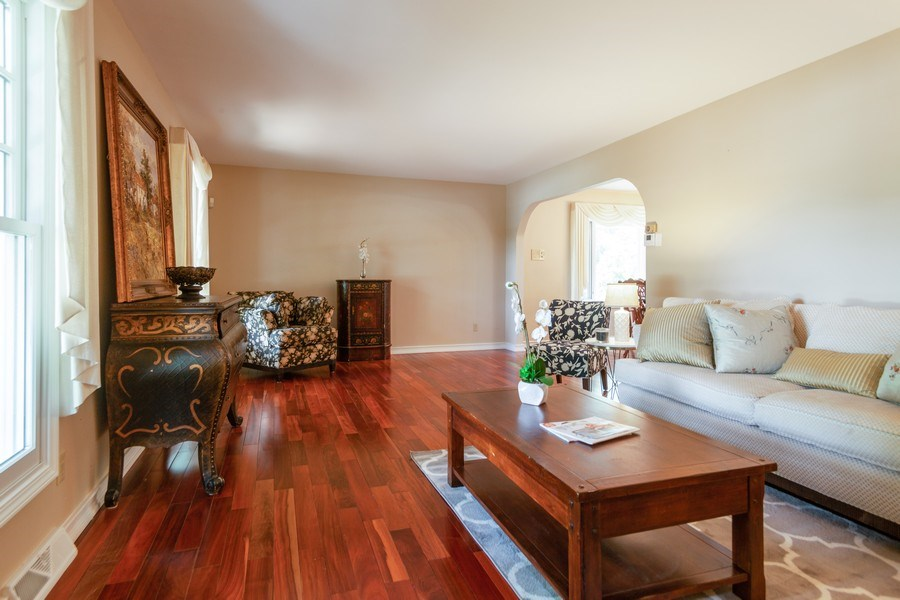 Real Estate Photography - 13165 Burlawn Ct, Brookfield, WY, 53005 - Living Room