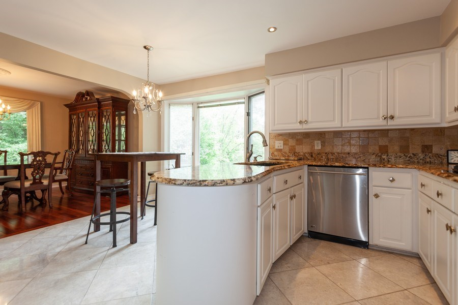 Real Estate Photography - 13165 Burlawn Ct, Brookfield, WY, 53005 - Kitchen