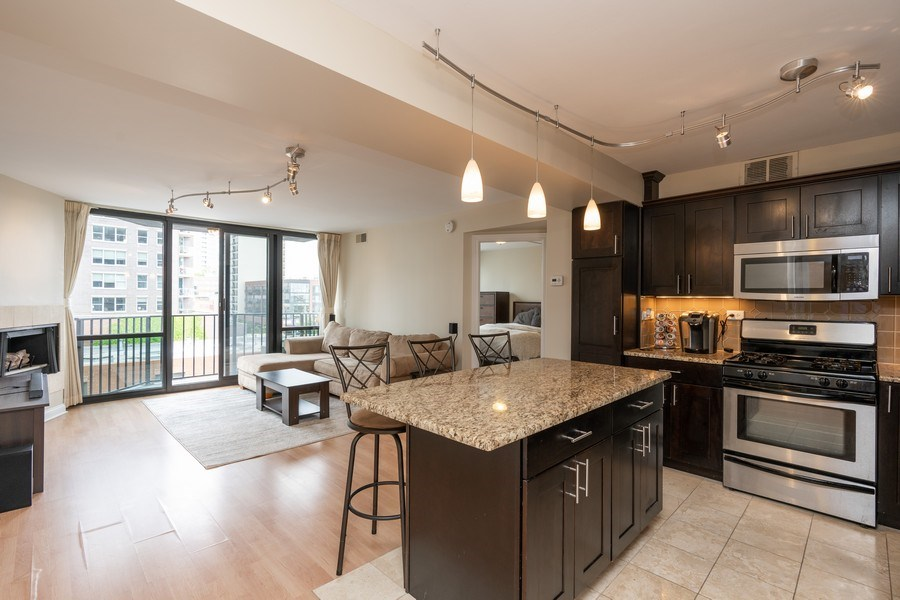 Real Estate Photography - 1309 N Wells, #506, Chicago, IL, 60610 - Kitchen / Living Room