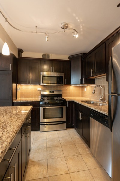 Real Estate Photography - 1309 N Wells, #506, Chicago, IL, 60610 - Kitchen/Dining