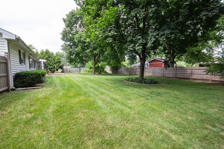 Real Estate Photography - 1000 Whipperwill Ct, Shorewood, IL, 60404 - Back Yard