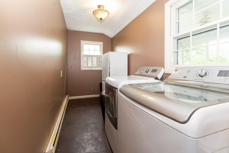 Real Estate Photography - 1000 Whipperwill Ct, Shorewood, IL, 60404 - Laundry Room