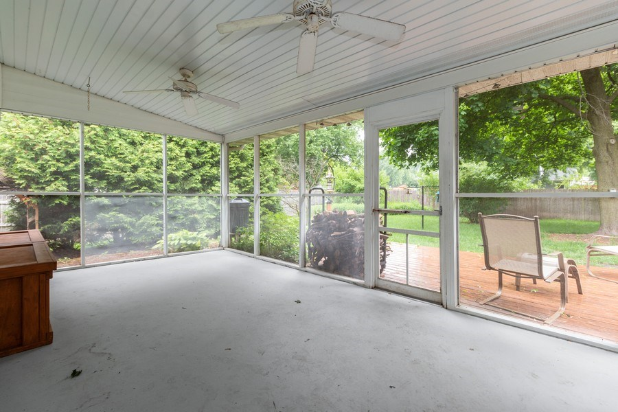 Real Estate Photography - 1000 Whipperwill Ct, Shorewood, IL, 60404 - Porch