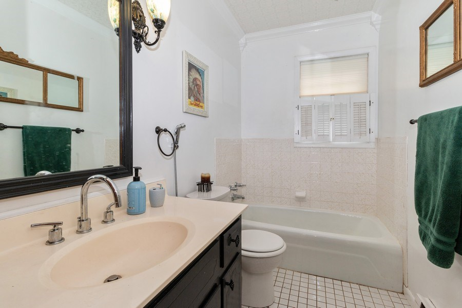 Real Estate Photography - 1000 Whipperwill Ct, Shorewood, IL, 60404 - Bathroom