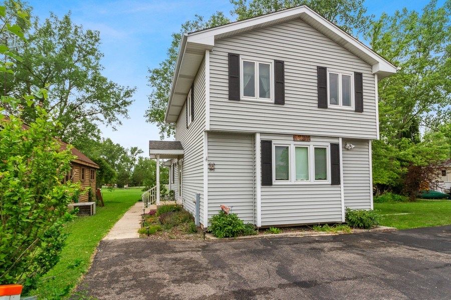 Real Estate Photography - 2 Dinosaur Rd, Wilmington, IL, 60481 - Front View