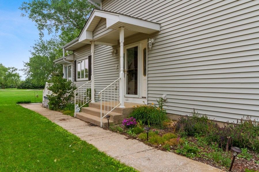 Real Estate Photography - 2 Dinosaur Rd, Wilmington, IL, 60481 - Side View