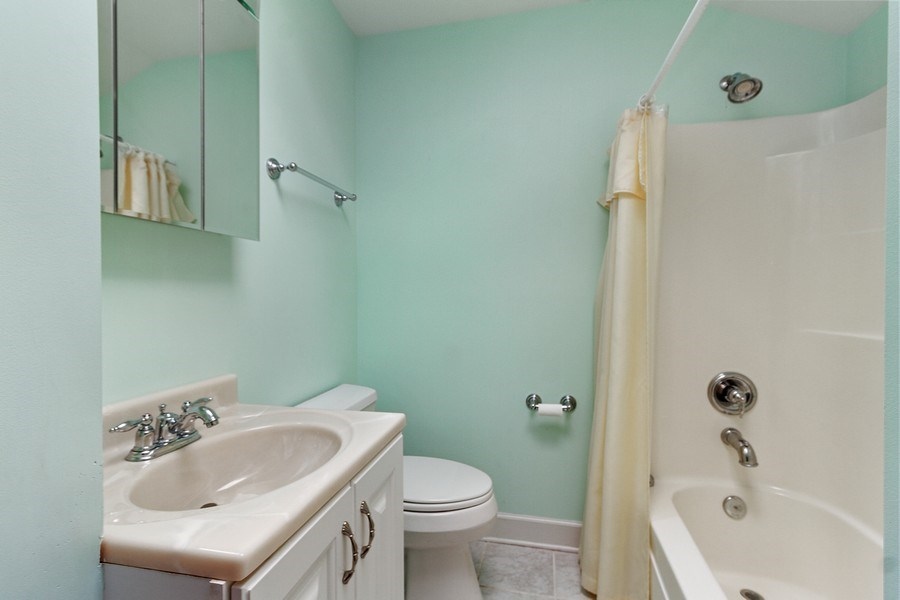 Real Estate Photography - 2 Dinosaur Rd, Wilmington, IL, 60481 - 2nd Bathroom