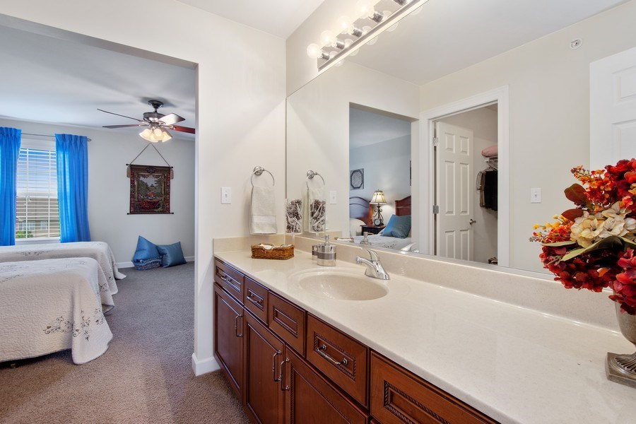 Real Estate Photography - 713 Fieldstone Ct, Inverness, IL, 60010 - 3rd Bathroom