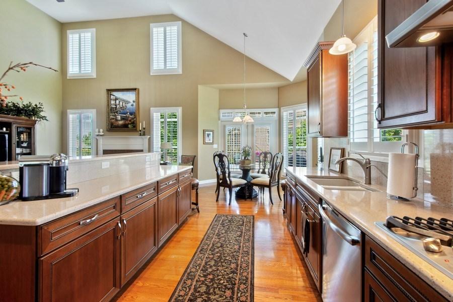 Real Estate Photography - 713 Fieldstone Ct, Inverness, IL, 60010 - Kitchen