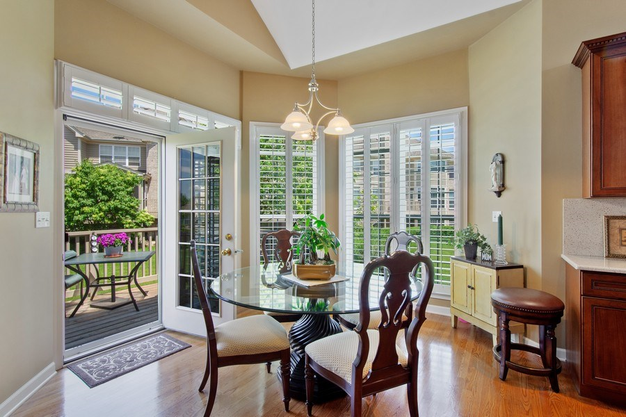Real Estate Photography - 713 Fieldstone Ct, Inverness, IL, 60010 - Breakfast Area
