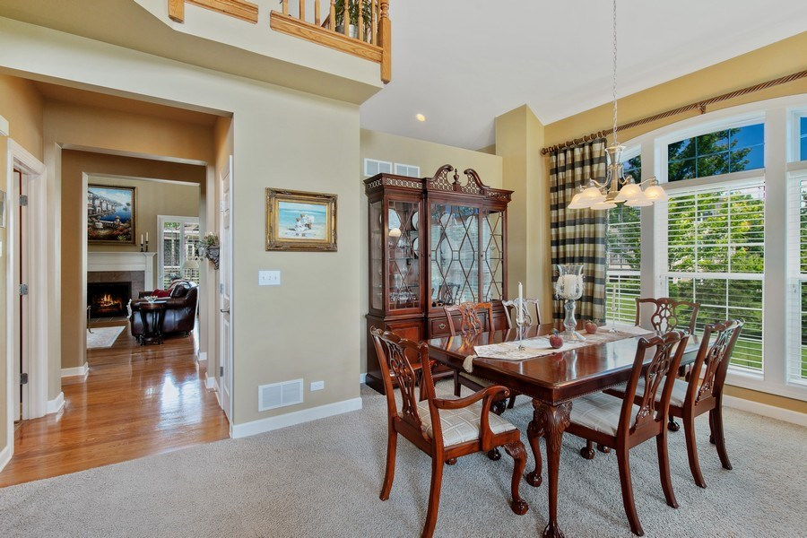 Real Estate Photography - 713 Fieldstone Ct, Inverness, IL, 60010 - Dining Area