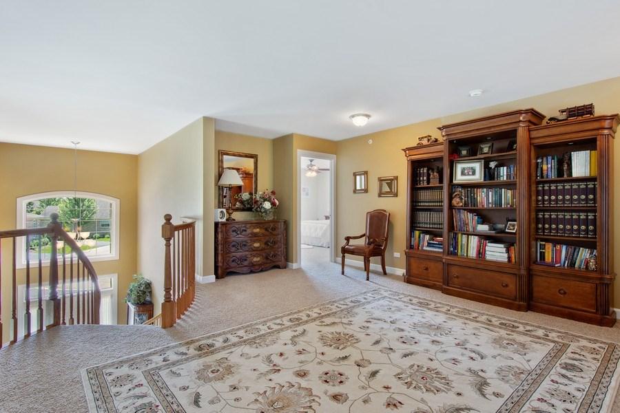 Real Estate Photography - 713 Fieldstone Ct, Inverness, IL, 60010 - Loft