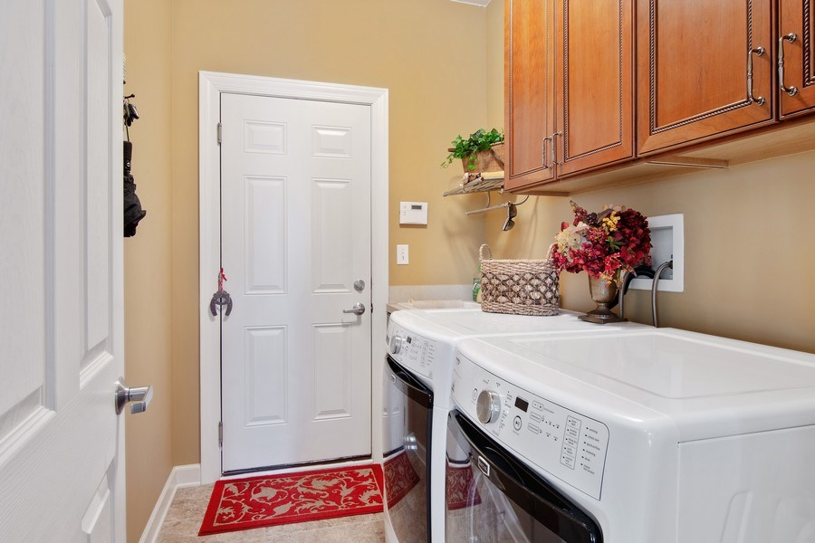 Real Estate Photography - 713 Fieldstone Ct, Inverness, IL, 60010 - Laundry Room