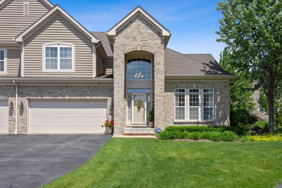 Real Estate Photography - 713 Fieldstone Ct, Inverness, IL, 60010 - Front View