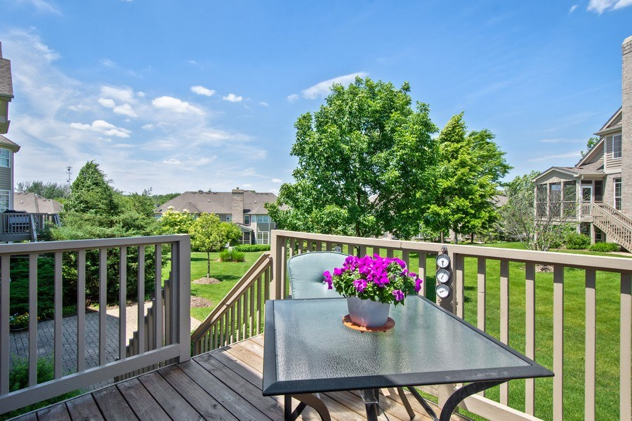 Real Estate Photography - 713 Fieldstone Ct, Inverness, IL, 60010 - Deck