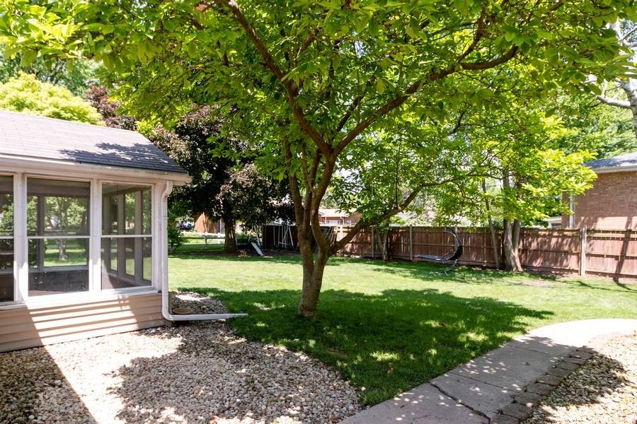 Real Estate Photography - 4200 W 117th St, Alsip, IL, 60803 - Back Yard