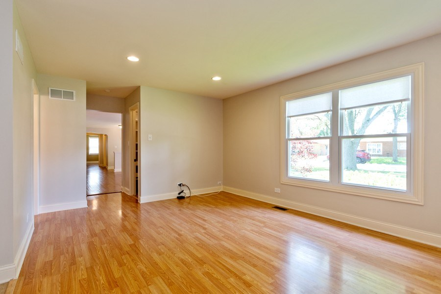 Real Estate Photography - 4200 W 117th St, Alsip, IL, 60803 - Family Room